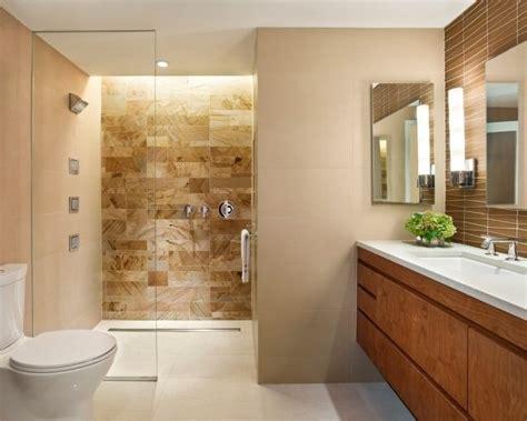 Badezimmer Konsolen by Bad Fliesen Creme Braun Begehbare Dusche Holz Waschtisch