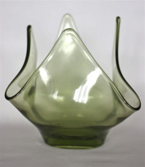 1960 s viking glass green handkerchief vase from decosurfn