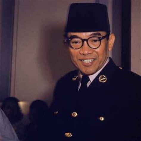 biographical of soekarno laporan beni hernedi soekarno