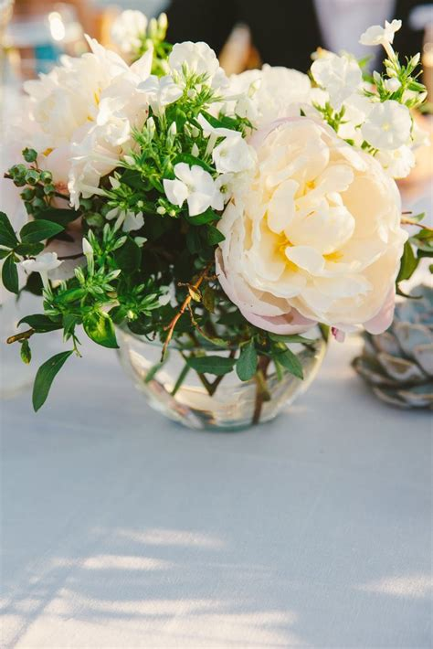 small flower arrangements small floral centerpieces