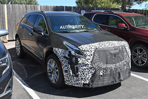 2020 Cadillac Xt5 Pictures by 2020 Cadillac Xt5 Update Spied Soaking In Arizona Gm