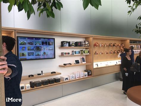 apple s new retail chief announces three month advance on the future of apple retail begins now imore