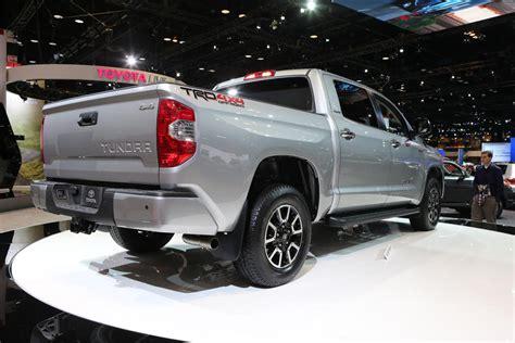 toyota unveils 2014 redesigned tundra size