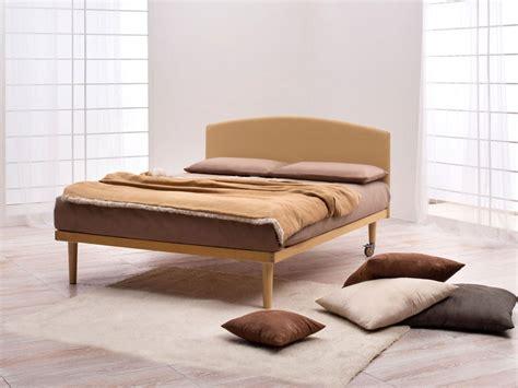 testiere letto notturnia testiera letto in legno dorsal simplicity idea