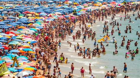 Kaos Levante 1 tourists in spain facing a backlash from locals tourist go home