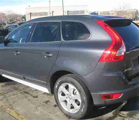 buy used 2010 volvo xc60 3 2 sport utility 4 door 3 2l in