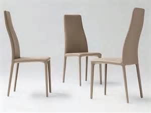 Good Letto Barocco Moderno #9: Mondo-convenienza-sedie-con-il-colore-marrone-e-ci-sono-tre-sedi-hanno-un-design-affascinante.jpg