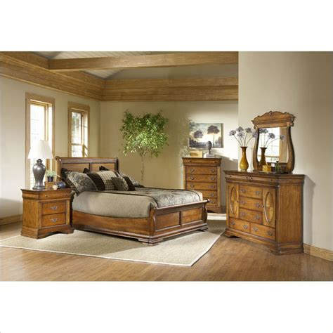 American Oak Bedroom Furniture Error