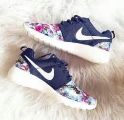 nike flower shoes shoes nike nike running shoes tick floral flowers