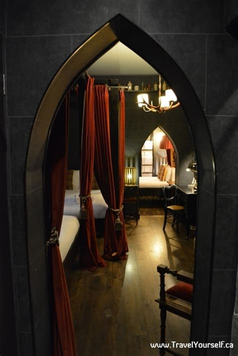 there s a harry potter themed hotel room in london and it harry potter themed wizard chambers hotel rooms in london