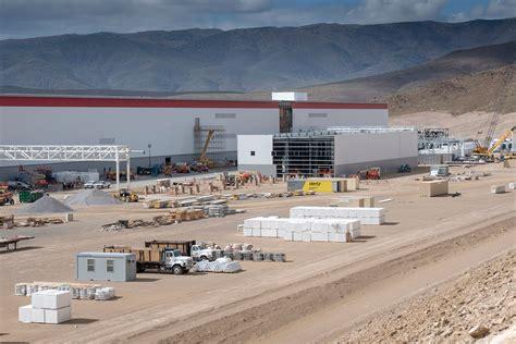 Gigafactory Tesla Inside The Gigafactory That Will Decide Tesla S Fate