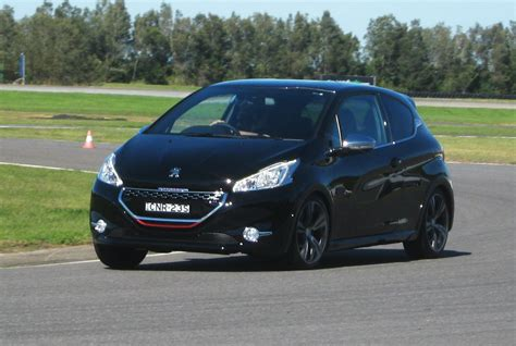 peugeot 208 gti 2013 2013 peugeot 208 gti road and track review