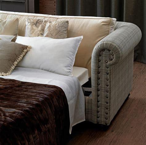 divani letto seconda mano divano letto con chiodi ribattuti a mano idfdesign