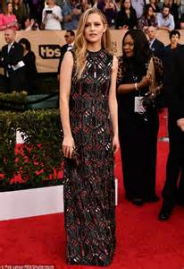 Dress Teresa sag awards 2017 teresa palmer shines in gown daily mail