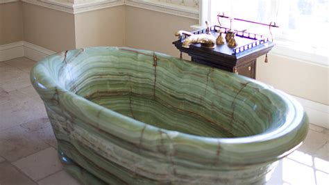 onyx bathtub what oprah knows about letting go of symbolic possessions