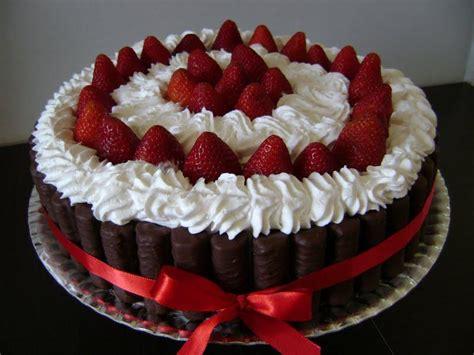 decorar bolo leite em pó receita de bolo sensa 231 227 o tudogostoso