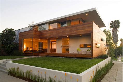 home yard house design to get full advantage of south climate with