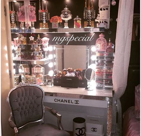 chanel inspired room 25 best media makeup ideas on