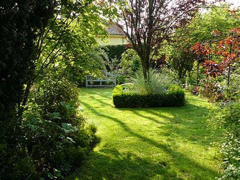Quel Arbre Planter Proche D Une Maison by Quel Arbre Planter Devant Une Maison Free Entretien De