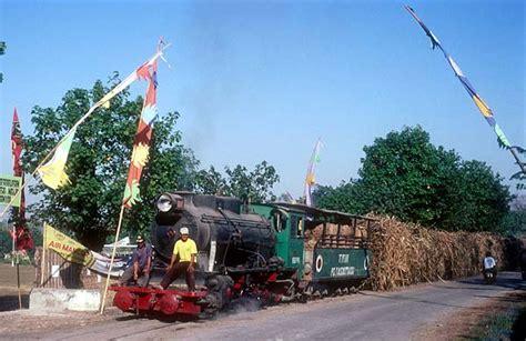 Bukan Railfans semboyan35 railfans mblusuk jalur lori jaman
