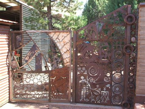 guide  metal fence panels  privacy  safety