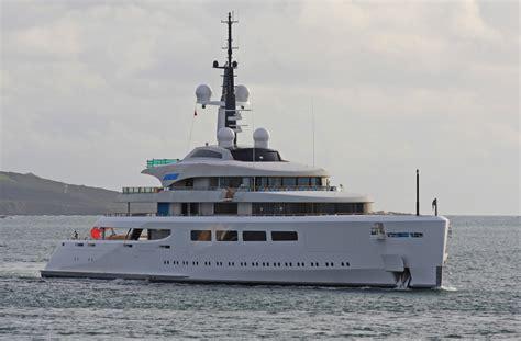 yacht vava pendennis plus 96 m yacht vava ii underway yacht charter