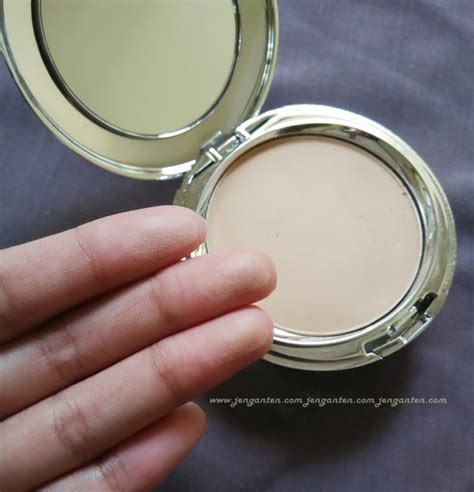 review ultima ii wonderwear pressed powder land of