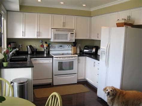 white painted kitchen cabinets painting kitchen cabinets white house