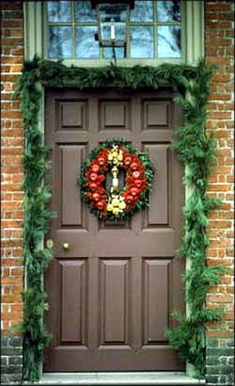 williamsburg christmas decorating ideas decorations deck the doors the colonial williamsburg official history site