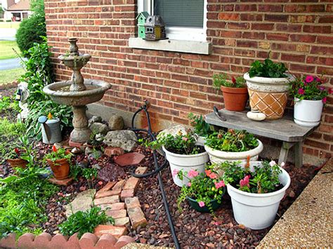 Small Container Garden Ideas Container Gardening Ideas For Small Yards 238 Hostelgarden Net