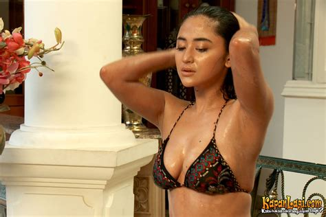 film indonesia bergenre hot andi soraya adegan adegan vulgar dalam film horor