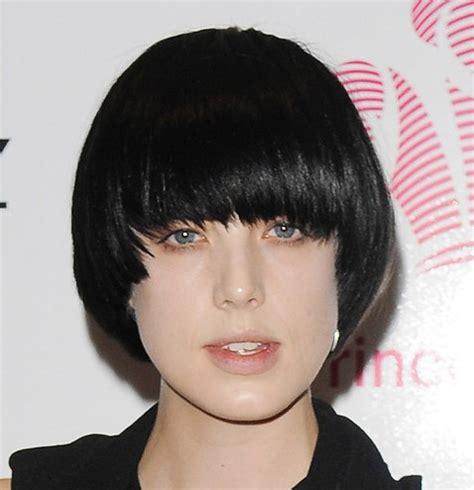 bowl cuts on pinterest bowl cut funky hair and bowl agyness bowl hairstyle bowl haircut short bowl