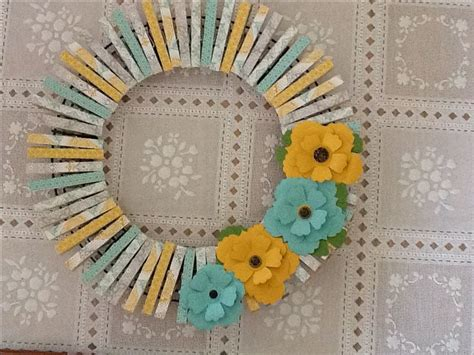 decorating ideas for wire wreaths frames best 25 wire wreath ideas on wire wreath frame burlap wreath and burlap wreaths