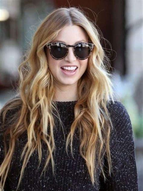 how does the beach hair style look on women capelli mossi beach waves foto stylosophy
