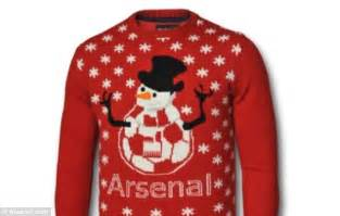 arsenal jumper alexis sanchez models arsenal christmas jumper as gunners
