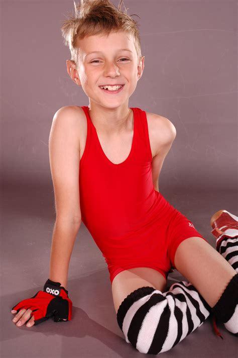 exposure pw boy model robbie boy milan model images usseek com