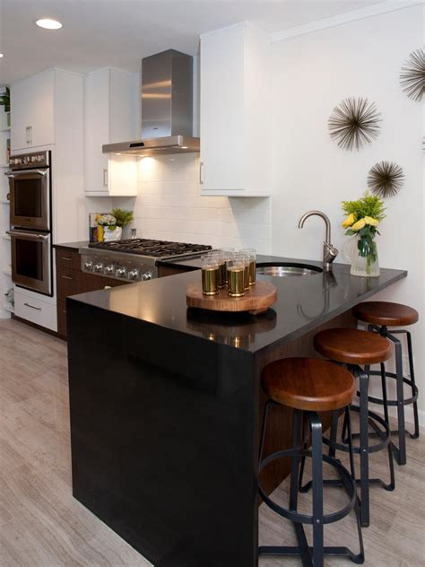quartz kitchen countertops pictures ideas from hgtv hgtv pictures of small kitchen design ideas from hgtv hgtv
