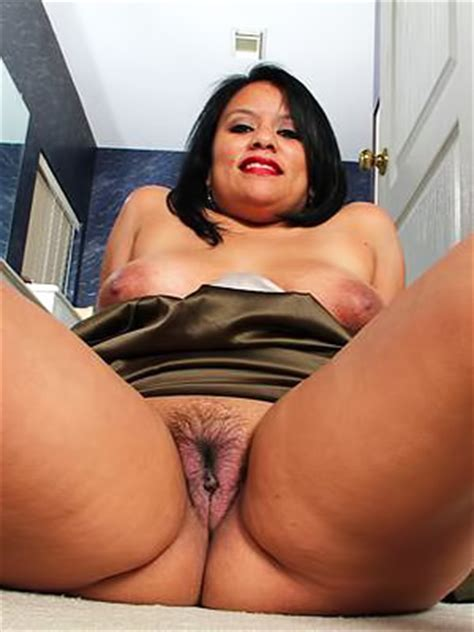 Fat Latina Bimbo Lucey Perez Is Furiously Playing With Her Nice Dirty Cunt