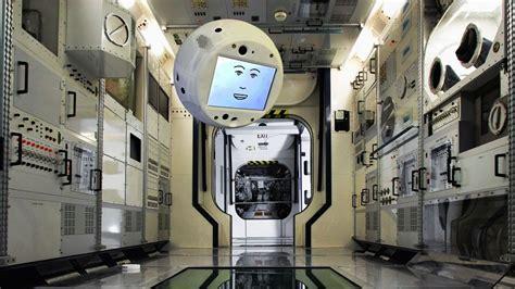 film robot luar angkasa robot astronot ini sedang menuju stasiun luar angkasa