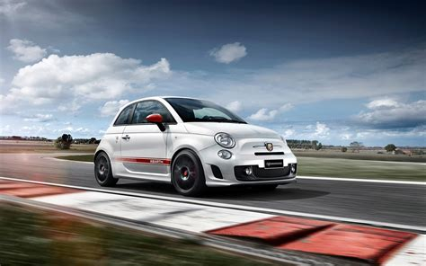 Abarth Car Wallpaper Hd by 2016 Abarth 595 Yamaha Factory Racing Edition Wallpaper