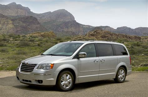 chrysler minivan marchionne chrysler will get two movers but