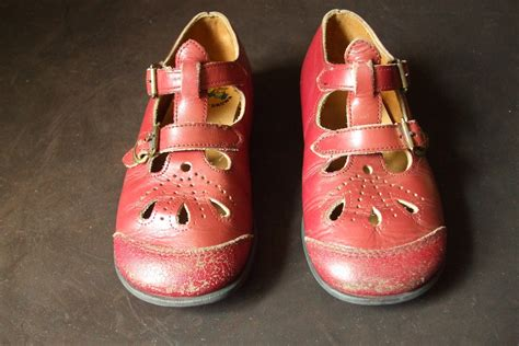 buster brown shoes buster brown toddler t buckle shoes