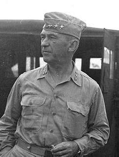 Dimanche 20 Août 1944 : En Nouvelle Guinée, Le général