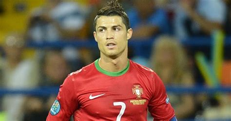 cristiano ronaldo biography kidzworld football cristiano ronaldo
