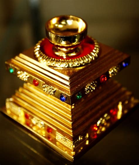Tempat Relik spiritual buddha amulet thailand tibetan product blessing buddha tempat relik emas
