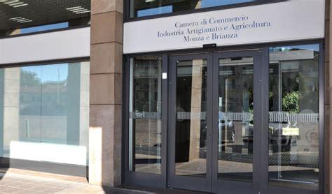 commercio mb in italia il business degli stranieri per gli stranieri