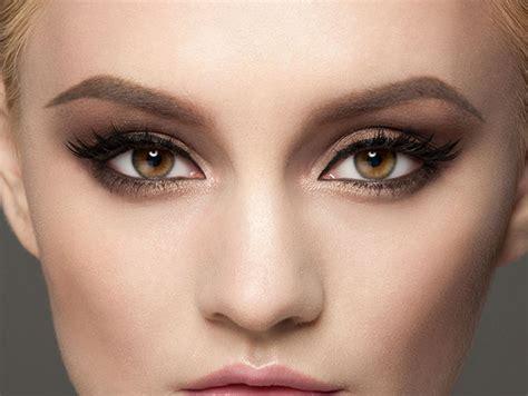 imagenes de ojos y labios maquillados tres looks de maquillaje express para navidad paso a paso
