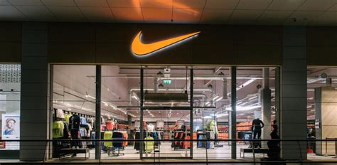 shop nike nike s vice president of footwear greg thompson is out