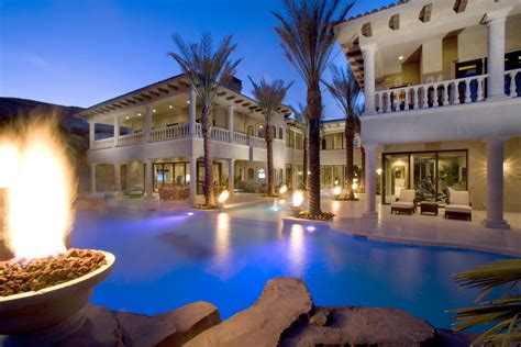why now is a time to buy las vegas luxury houses