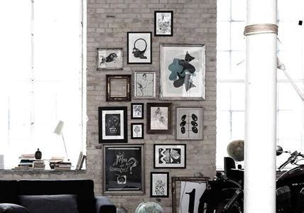 Wand Mit Vielen Bilderrahmen by Bilderrahmen Aufh 228 Ngen Unsichtbarer Begrenzungsrahmen